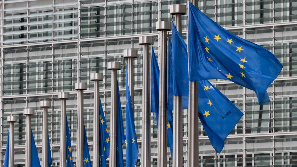 EU-Flaggen in Brüssel: Gemeinsame Haftung, gemeinsame Arbeitslosenversicherung