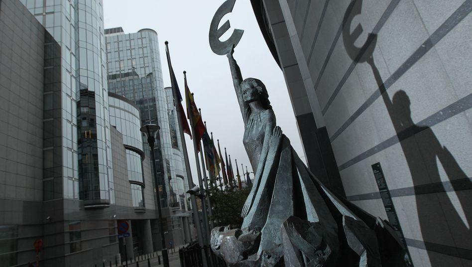 Den Euro schützen: Wenn EFSF und ESM gleichzeitig eingesetzt würden, ließe sich die Schlagkraft verdoppeln