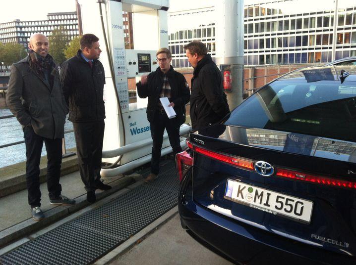 Wasserstoff-Tankkurs in Hamburg: Eigentlich gar nicht so schwer - doch in Düsseldorf haben wir leichte Probleme
