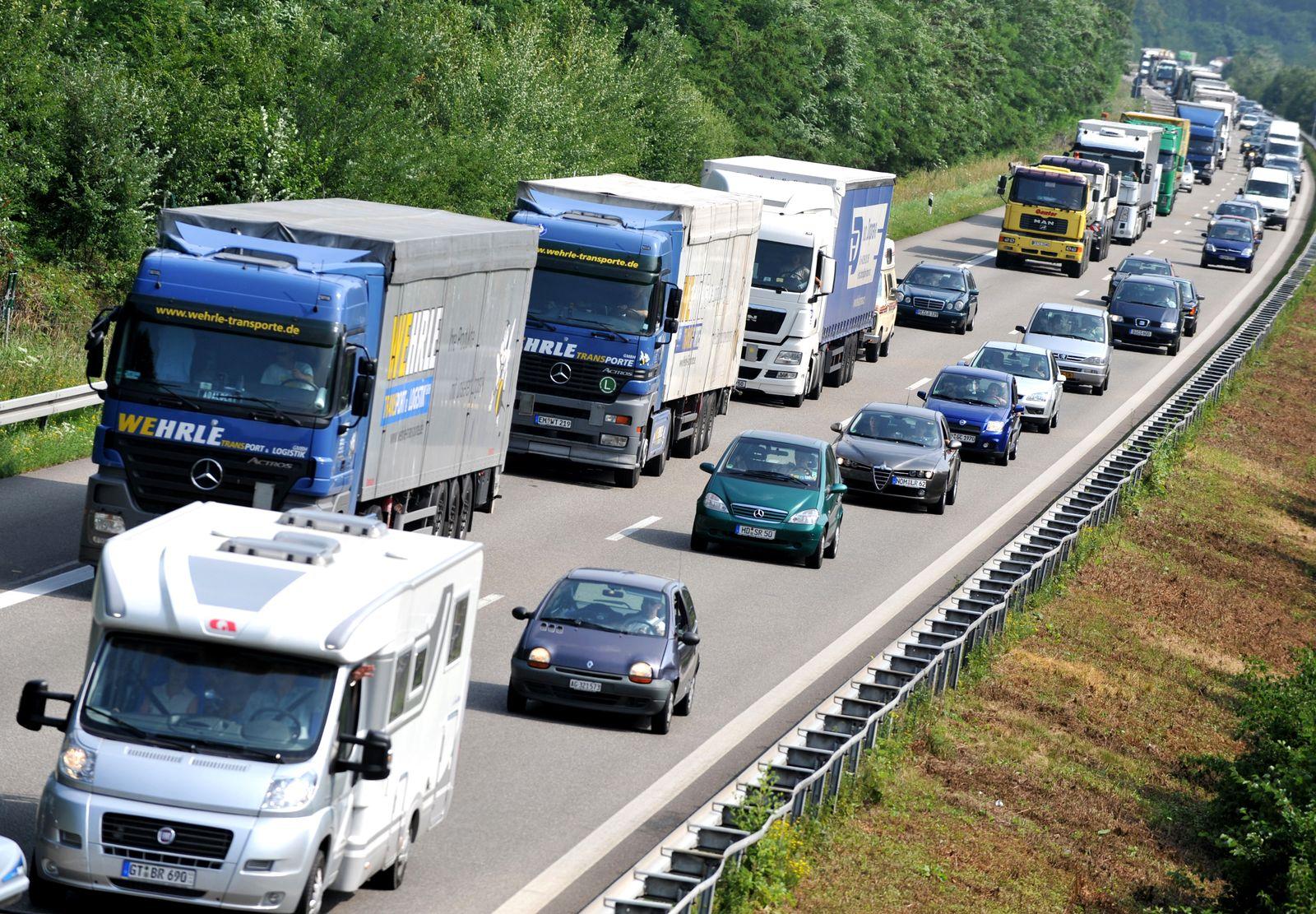 LKW / Autobahn / Fahrverbot für Lkw