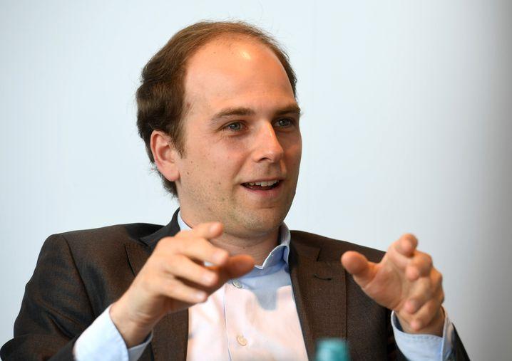 """Sieht eine """"absolute Ungleichbehandlung zwischen stationärem Handel und Online-Handel"""": Raoul Roßmann"""
