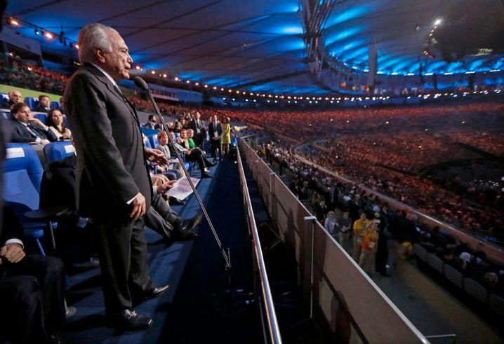 Brasiliens ungeliebter Präsident Michel Temer auf der Eröffnungsfeier: Muss ich jetzt auch noch was sagen?