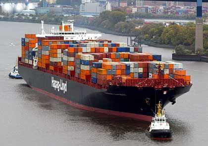 Boombranche: Die Hamburg Express von Hapag-Lloyd ist eines der größten Containerschiffe der Welt