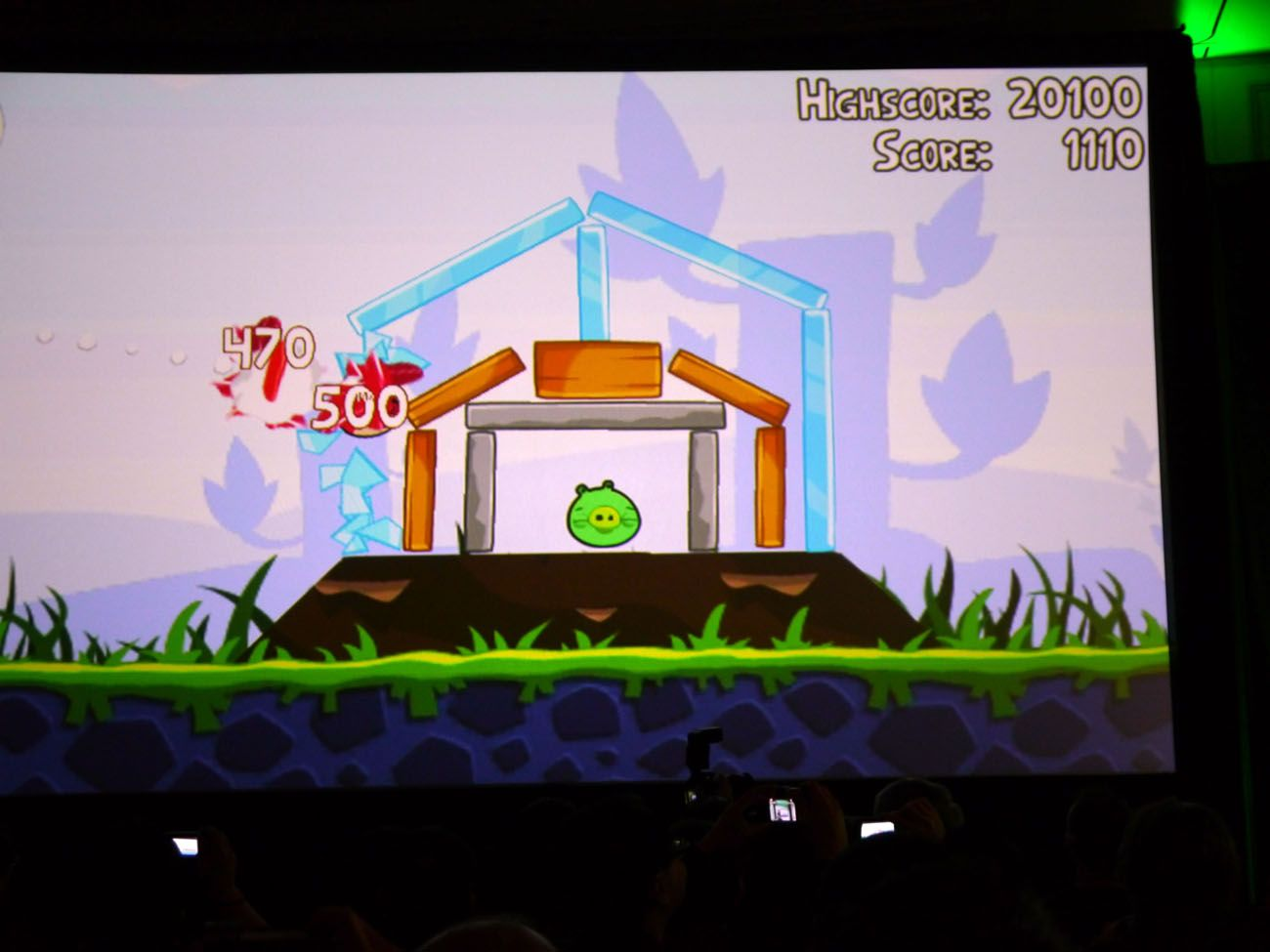 CES 2011 / nVidia / LG Angry Birds