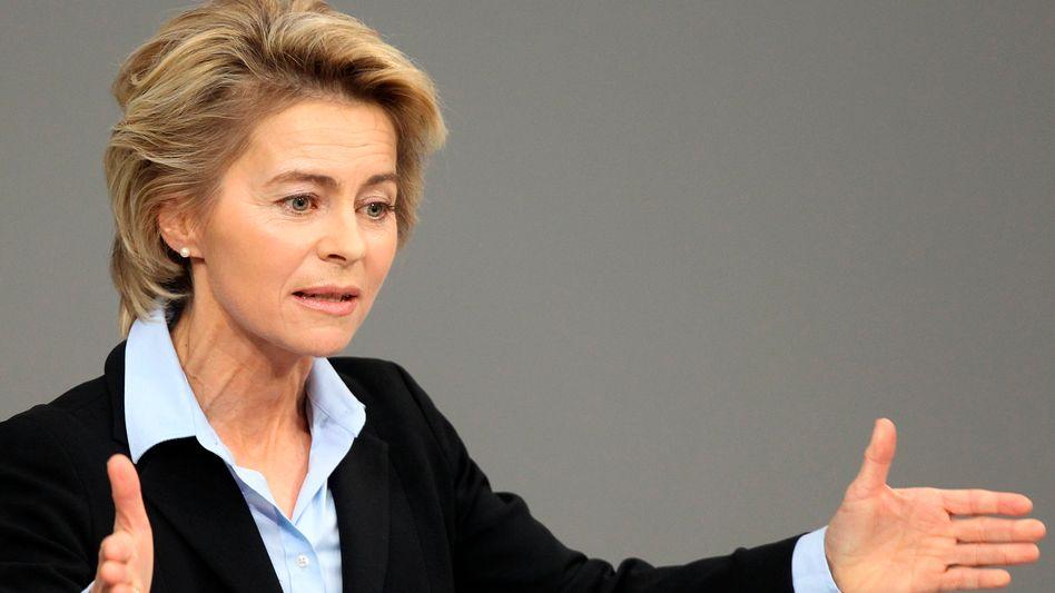 """""""Unsere Anstrengung muss doch sein, dass die Wirtschaft brummt"""": Bundesarbeitsministerin Ursula von der Leyen"""