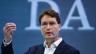 Daimlers Sparbemühungen zeigen Wirkung