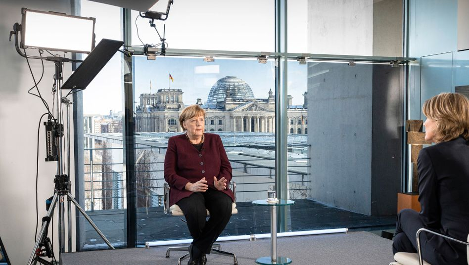 Kein Lampenfieber: Kanzlerin Angela Merkel bei einem Interview zur Corona-Lage mit dem ZDF