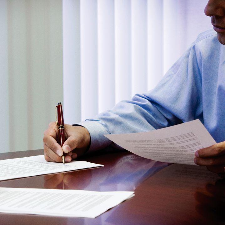 Zum Stift greifen: Eine handschriftliche Notiz kommt immer gut an
