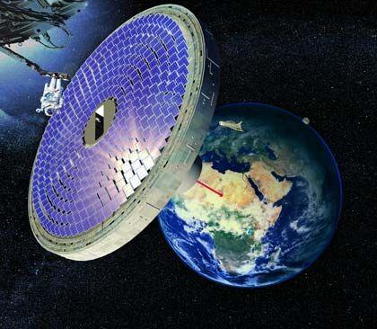 Solarstrom aus dem Kosmos Technik: Pläne zur orbitalen Stromerzeugung sehen vor, Fotovoltaikzellen auf riesige Satelliten zu bauen und den dort produzierten Strom in Form von Mikrowellen zur Erde zu schicken. Quadratkilometergroße Antennen in menschenleeren Regionen sollen die Wellen auffangen. Vorteile: Sonnenstrahlung wird im All nicht durch Luft und Wolken gefiltert, ist somit viel energiereicher als auf der Erde. Die Solarzellen können mehr leisten. Aussichten: Noch gibt es keine Raketen, die stark genug wären, um die großen Satelliten zu transportieren. Auch die Kosten sind bislang astronomisch hoch.