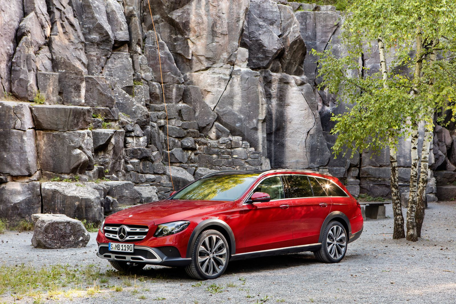 Weltpremieren / Autosalon Paris 2016/ Mercedes-Benz E-Klasse All-Terrain