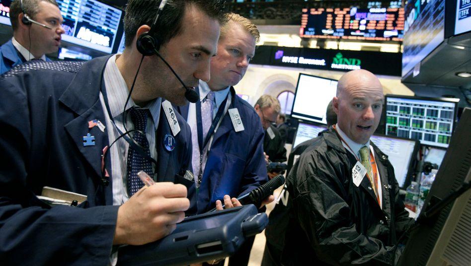 Prüfender Blick: Was bringt die Börse im kommenden Jahr?