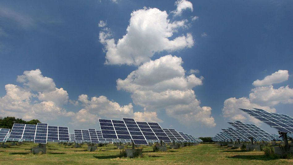 Photovoltaikanlage in Freiberg: Das Solarenergie-Ausbauziel der Bundesregierung wird 2014 voraussichtlich verfehlt