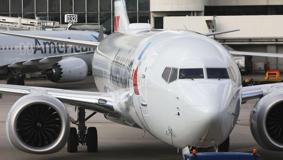 Boeing 737 Max in Diensten von American Airlines: Das Flugzeugmodell bereitet dem Hersteller Probleme und hat den Aktienkurs einknicken lassen.