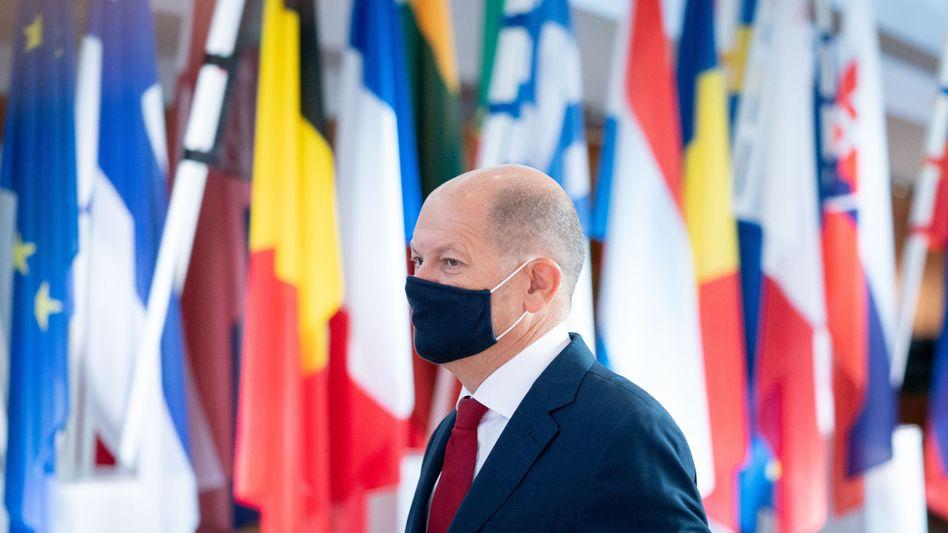 Bundesfinanzminister Olaf Scholz auf dem Weg zum Treffen der Euro-Gruppe am Freitag