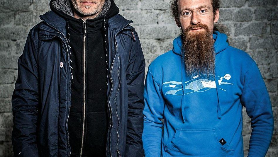 BADEN MAL ANDERS Florian Moll und Sven Enderle (r.) machen auf wenigen Hektar Weltklasse-Pinots