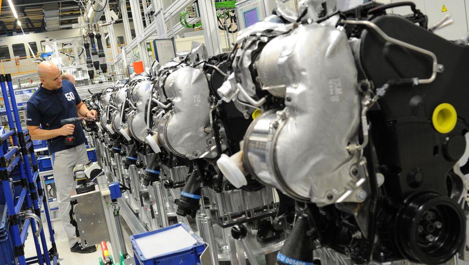 Fertigung von Dieselmotoren im Volkswagen-Motorenwerk in Salzgitter