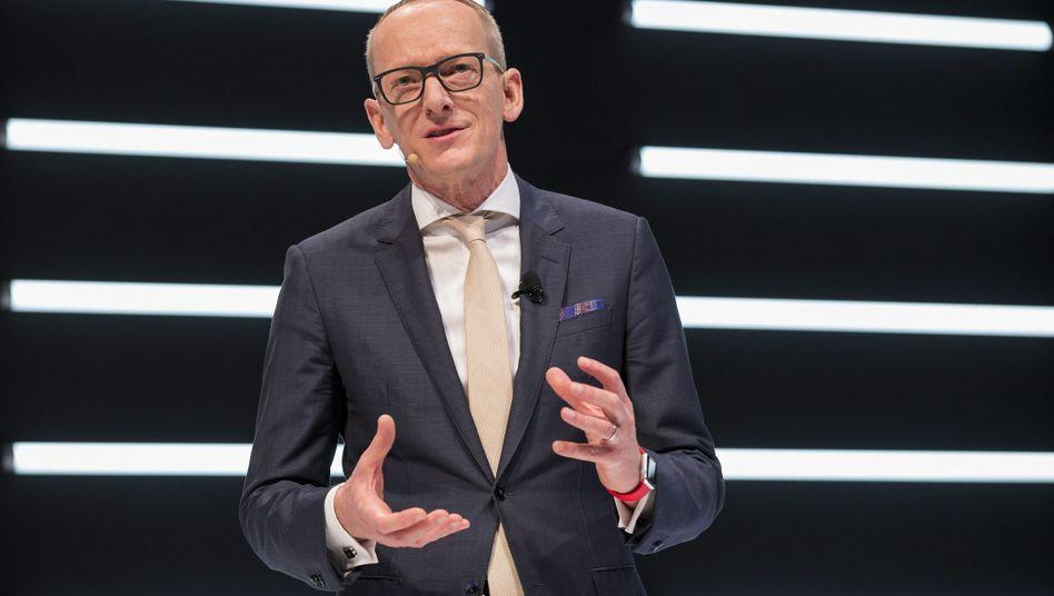 """Opel-Chef Karl-Thomas Neumann zu Diesel-Manipulationsvorwürfen: """"Diese Anschuldigungen sind falsch"""""""