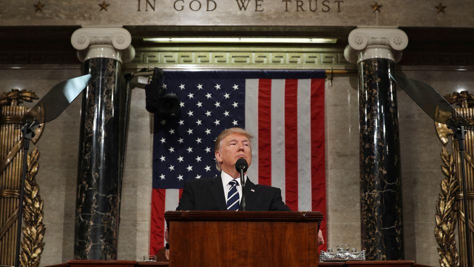 """Donald Trump: Nicht zuletzt wegen des Buches """"Fire and Fury"""" kamen Spekulationen über den Gesundheitszustand des US-Präsidenten auf"""