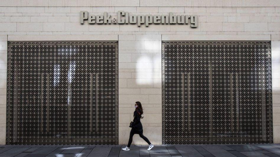 Vorhang auf: Vor der Krise sondierte Patrick Cloppenburg für P&C Düsseldorf noch einen Verkauf, nun könnte er den angeschlagenen Schwesterkonzern in Hamburg schlucken