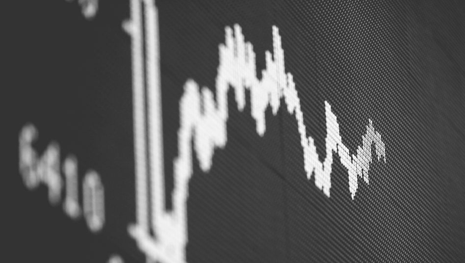 Dax-Kurve an der Frankfurter Börse: Anleger erhoffen sich Einzelheiten zu den umstrittenen Anleihekäufen der EZB