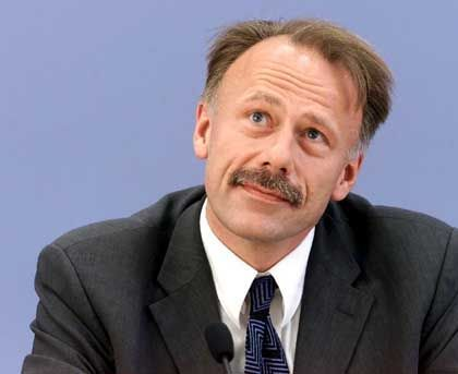 Umweltminister Trittin: Wirft der Lufthansa zu laxen Umgang mit Daten vor