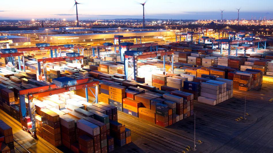 Container im Hamburger Hafen: Insgesamt haben deutsche Firmen Waren im Wert von 92,5 Milliarden Euro exportiert