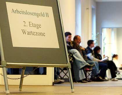 Deutschland wartet auf den Aufschwung: Die Hartz-Reform hat bislang keine Verbesserung gebracht