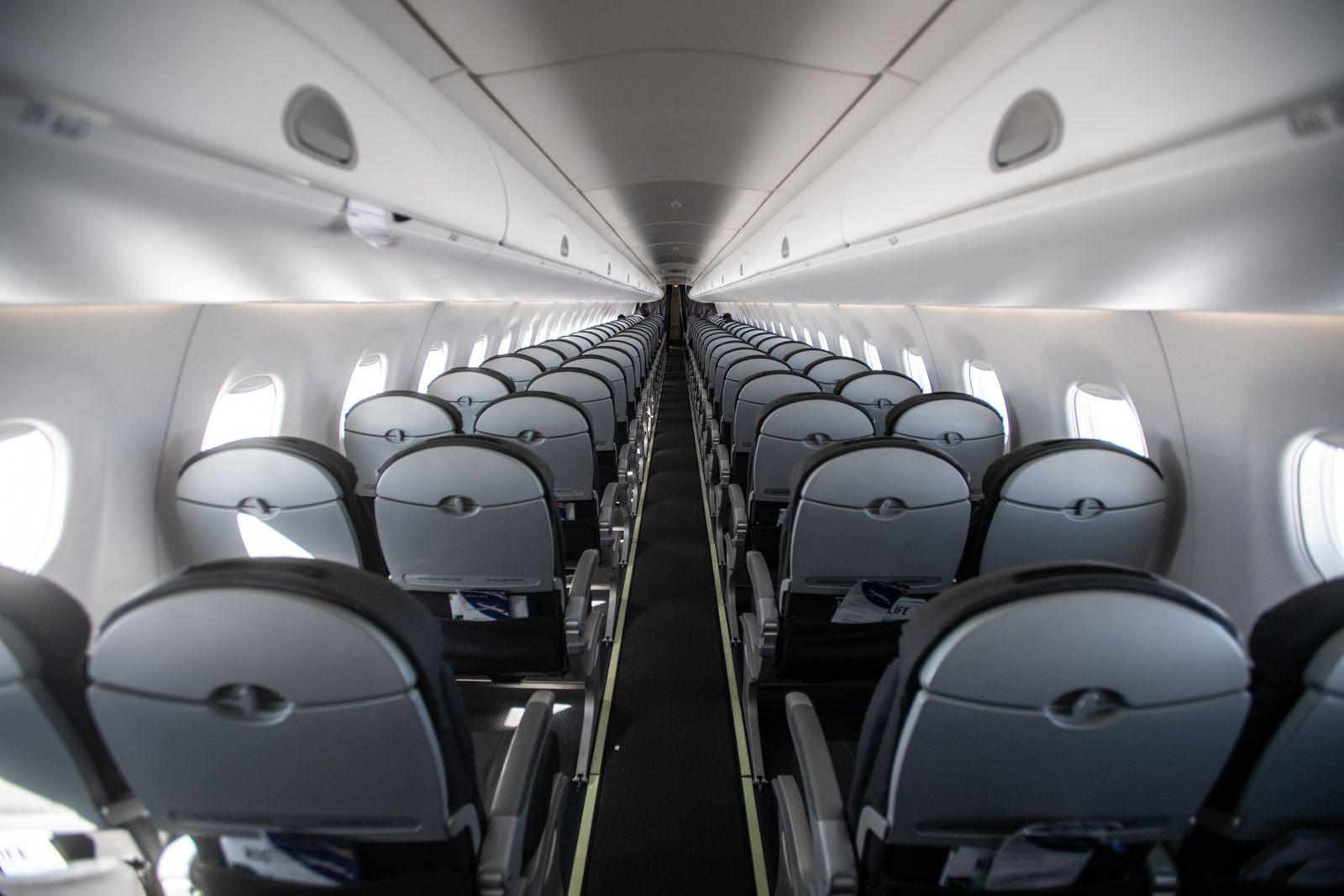 Coronavirus / Luftfahrt / leeres Flugzeug