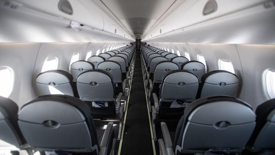 Fast leerer Flug Mailand-London am Donnerstag