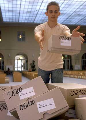 Nachwahl: Die Wahlscheine für den Wahlkreis Dresden I werden aussortiert