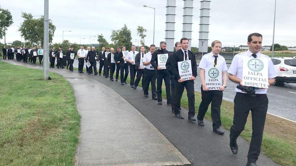 Ryanair-Piloten im irischen Dublin: Streik für mehr Lohn und bessere Arbeitsbedingungen