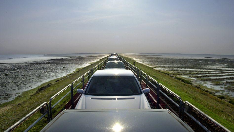Sylt-Autozug: Der Shuttle über den Hindenburg-Damm fährt profitabel, für die meisten Autozüge der Deutschen Bahn gilt das nicht