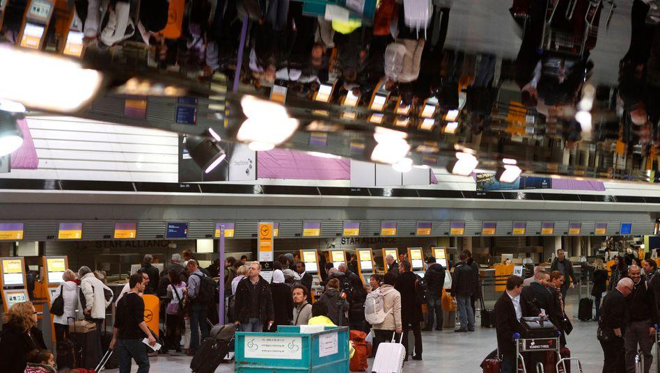 Stillstand am Frankfurter Flughafen: Die Fronten zwischen GdF und Fraport sind verhärtet - das kostet Reisende Nerven und der Lufthansa Tag für Tag Millionen