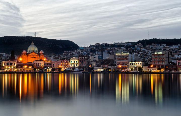 Lesbos in der nördlichen Ägäis ist sehenswert, wurde wegen der Flüchtlinge aber zuletzt von Urlaubern gemieden.