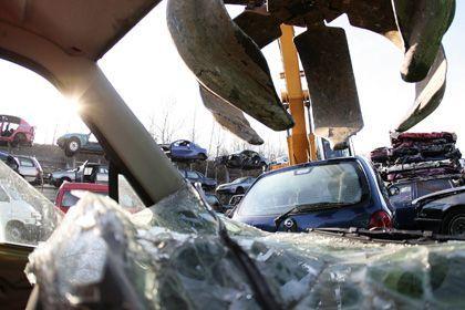 """Auf dem Schrottplatz: """"Die Kunden haben nun langfristige Planungssicherheit beim Autokauf"""""""