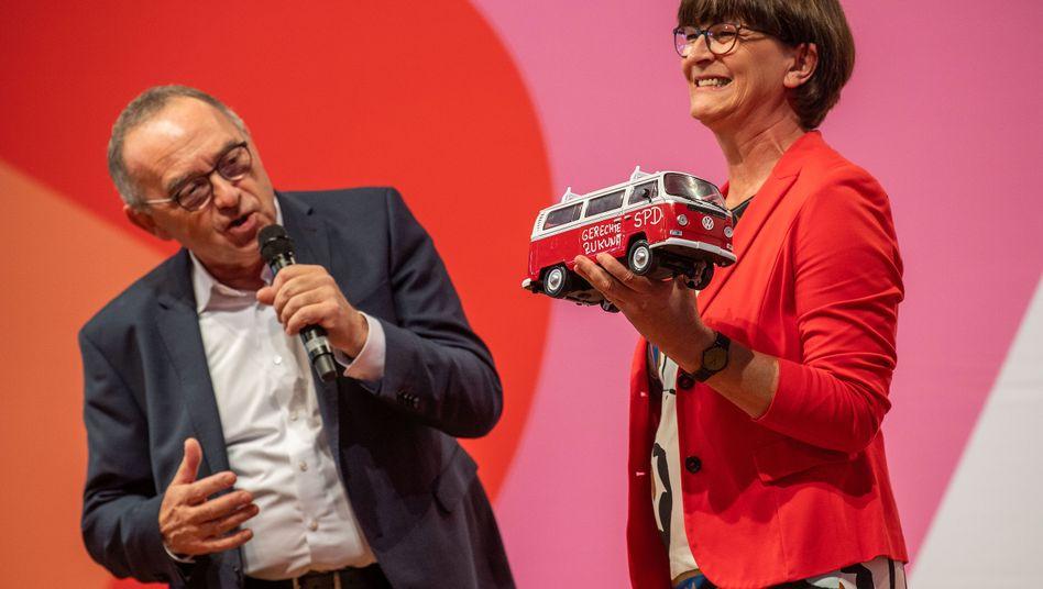 Vom Scholz-Zug zum Walter-Borjans-Bus? Das künftige Führungsduo will die SPD linker machen