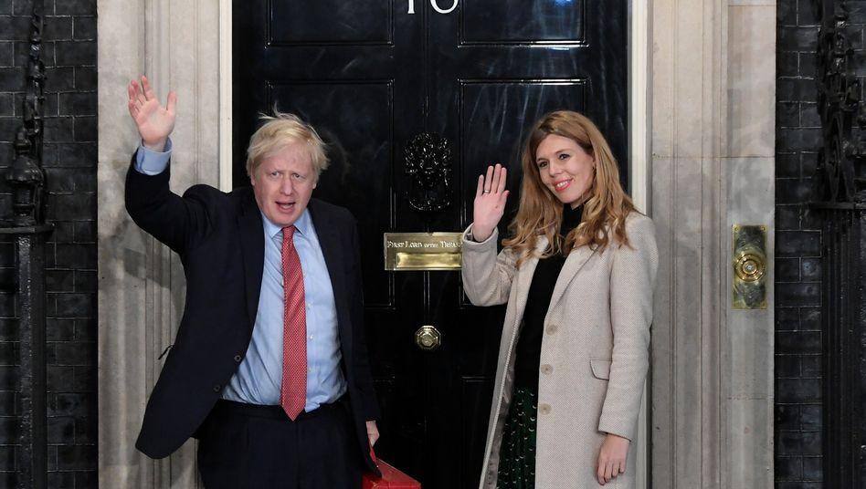 Boris Johnson, Freundin Carrie Symonds: Auch sie kehren Großbritannien gerne mal den Rücken zu - wenn eine Gratis-Karibikvilla wartet