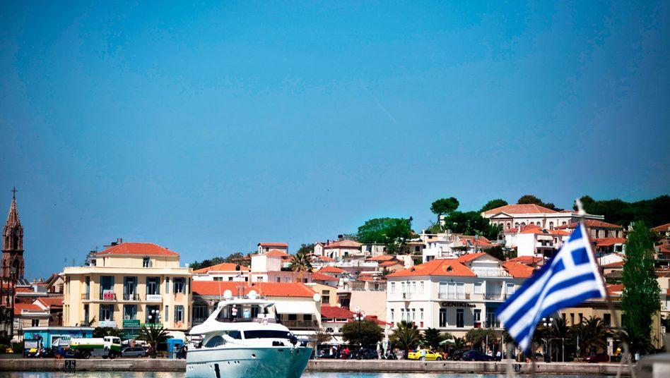 Yachthafen in Griechenland: Viele Griechen haben Schwarzgeld in der Schweiz gebunkert - die Steuerfahnder aus Nordrhein-Westfalen helfen Athen nun, die Steuersünder aufzuspüren