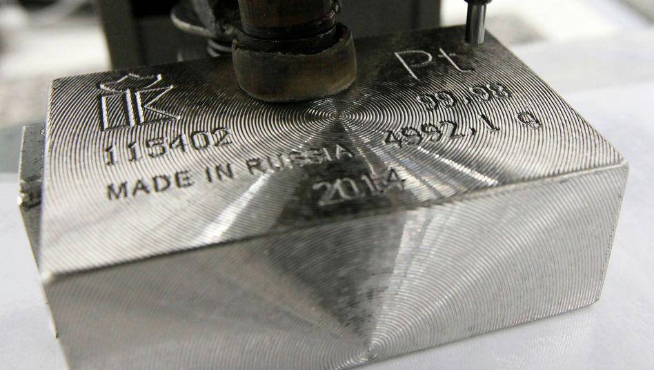 Seltenes Edelmetall: Platin wird aktuell zu knapp 1000 Euro je Feinunze gehandelt