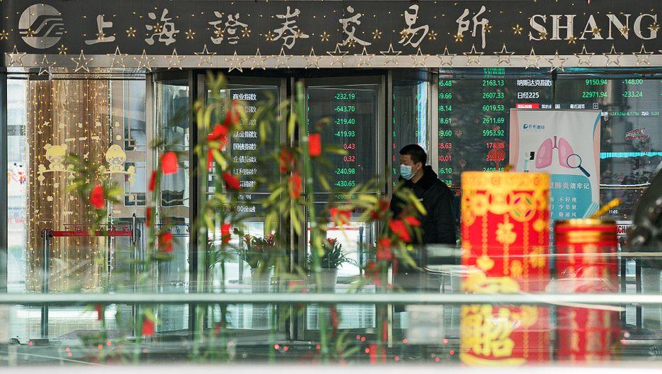Börse in Shanghai: Chinas Aktien sind im Juli bisher um 16 Prozent gestiegen.Es gibt Indizien, dass dieser Aufschwung von Dauer sein kann.