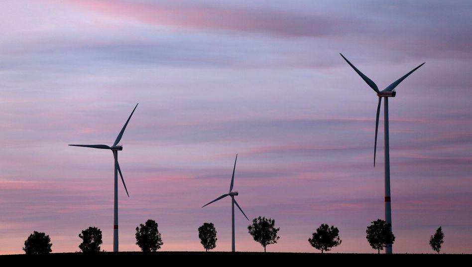Treibt die Stromkosten: Energie aus Wind und Sonne