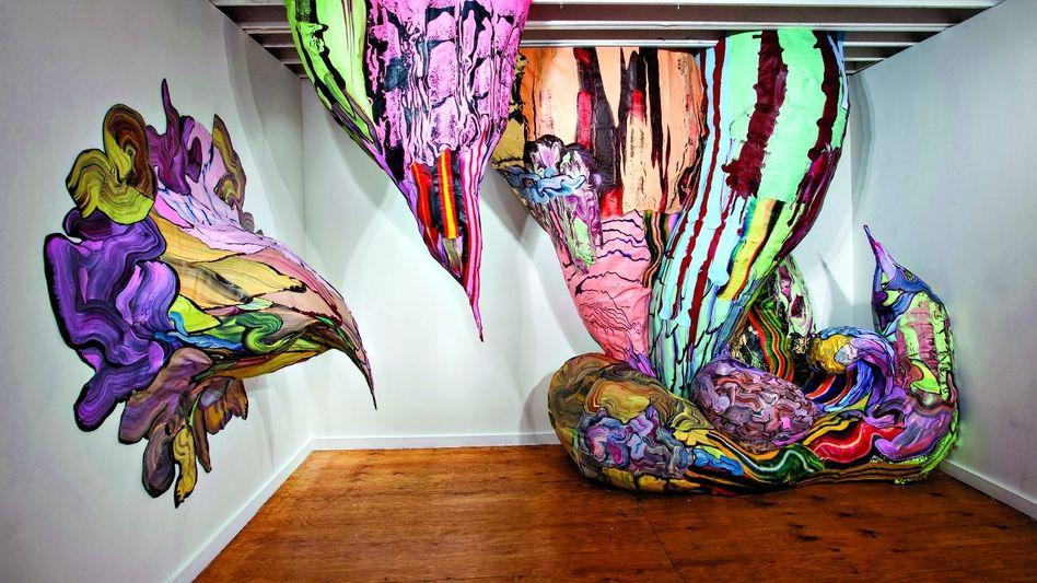 """""""Artificial Painting"""": Kunstwerk von Henrique Oliveira, 2010, Acrylfarbe auf Sperrholz, 3,5 x 5 x 2 m, Alejandra von Hartz Gallery, Miami"""