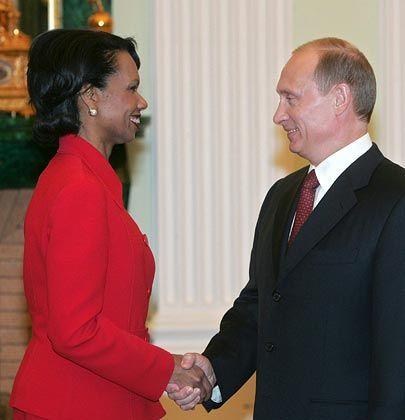 Weit auseinander liegende Standpunkte: Rice, Putin