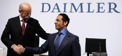 Einer der Milliardendeals dieses Jahres: Der Einstieg von Abu Dhabi bei Daimler (im Bild: Daimler-Chef Dieter Zetsche, l., und Khadem Al-Qubaisi, Chef des Staatsfonds Aarbar)