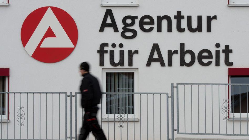 """""""Der Arbeitsmarkt hält sich in der Krise gut"""": Die Arbeitsagenturen sind trotz für den deutschen Arbeitsmarkt noch vergleichsweise postitiv gestimmt"""