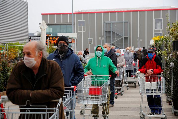 Österreich: Seit Dienstag sind wieder zahlreiche Geschäfte geöffnet