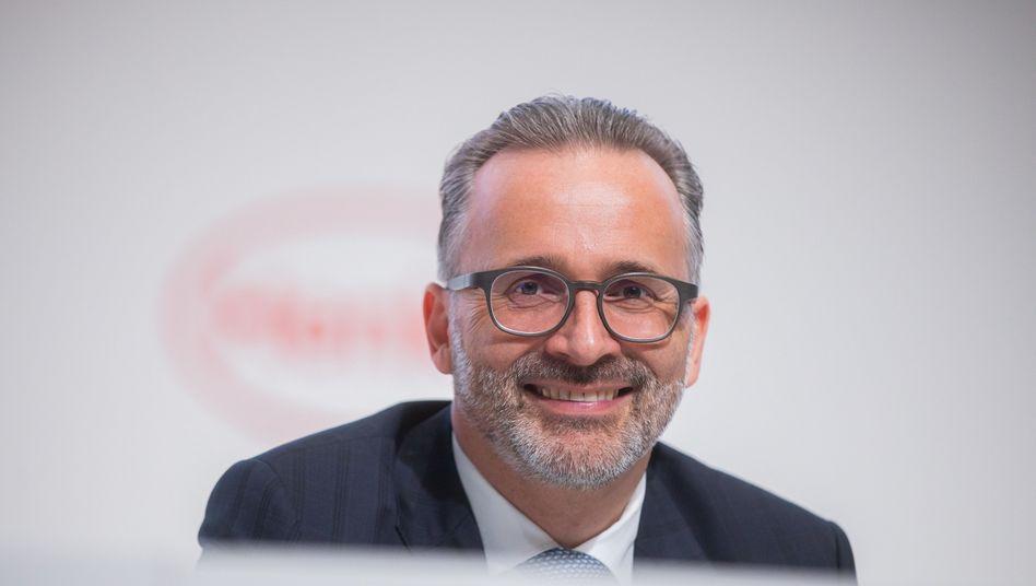 Der damalige Finanz- und heutige Konzernchef Carsten Knobel auf der HV 2019: In diesem Jahr findet das Aktionärstreffen des Dax-Konzerns online statt.