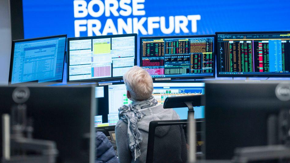 Händlerin an der Frankfurter Börse: Bleibt der Bullenmarkt erhalten - trotz der jüngsten Inflationssorgen?