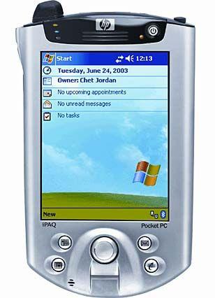 Hewlett-Packard IPaq H5550: Ausgestattet mit dem Betriebssystem Windows Mobile 2003, einem Intel XScale PXA255-Prozessor, 128 MB RAM, 56 MB Flash-ROM und einem Bildschirm mit 240 x 320 Pixel, ab 620 Euro