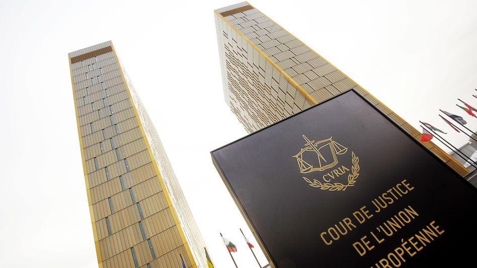 Urteil aus Brüssel: Die EuGH-Richter stützen die Euro-Rettungspolitik der EZB - auf Kosten der Steuerzahler und Sparer